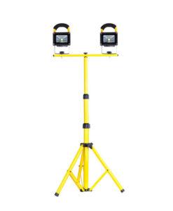 שני פרוז'קטור לד על עמוד 30Wx2 תאורת הצפה לד LED Floodlight 220v צבע לבן